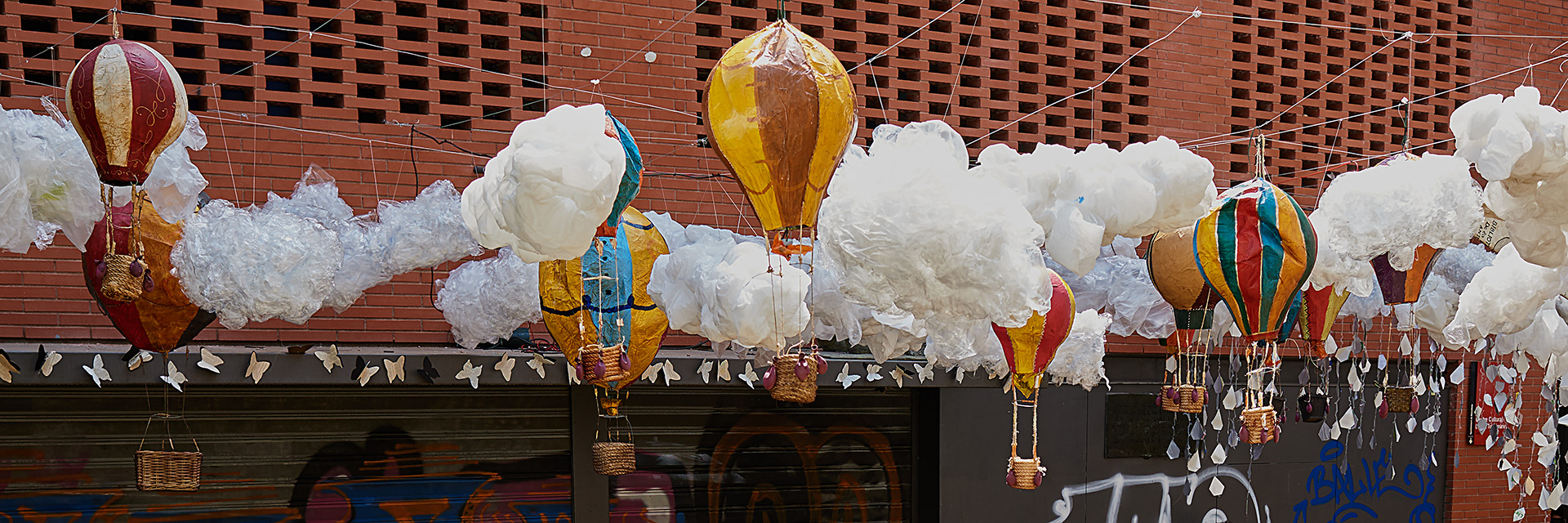 El guarnit dels carrers per la Festa Major de Gràcia