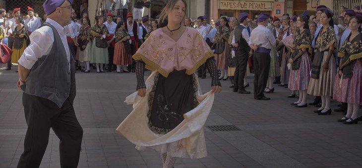 Ballant Cerdà a la Plaça Palatin